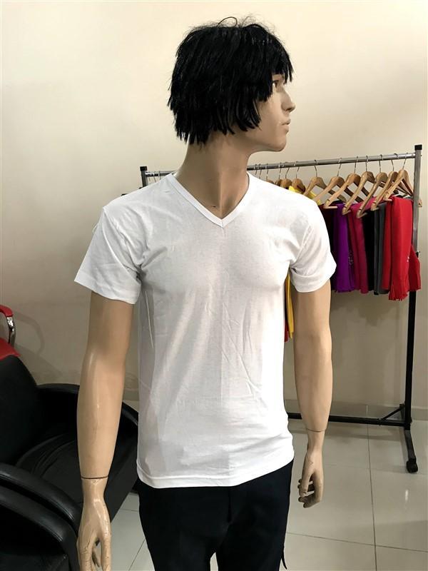 V Yaka Beyaz Tişört